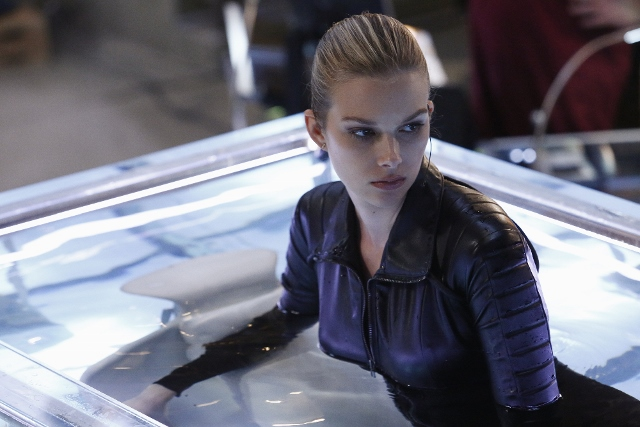 Kirsten in Stitchers season 2 finale