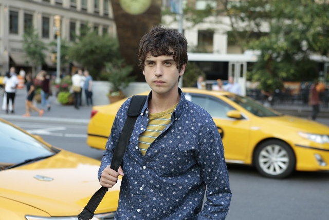 Brandon in New York in The Fosters 4x09