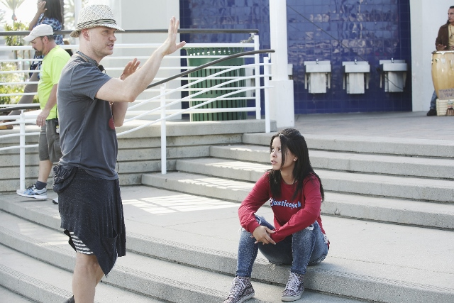 Peter Paige directs Cierra Ramirez in The Fosters 4x10