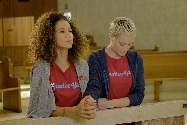 Sherri Saum and Teri Polo in The Fosters 4x11