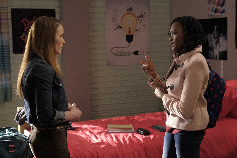 Daphne and Iris in Switched at Birth 5x02