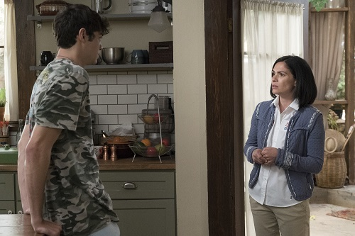 Jesus and Ana in The Fosters 5x06