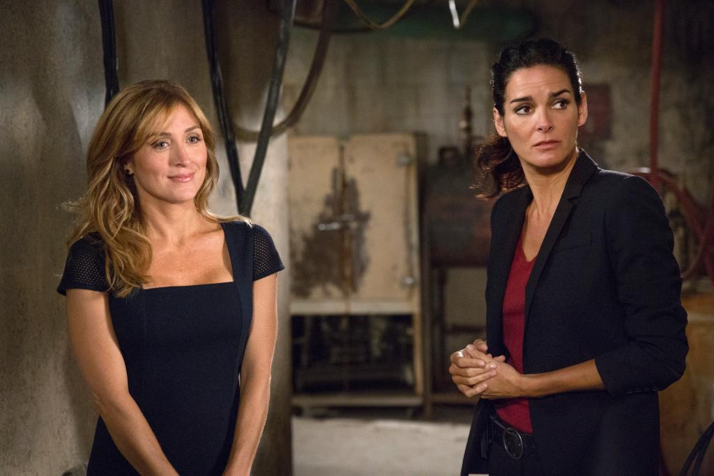 Jane and Maura in Rizzoli & Isles 6x15