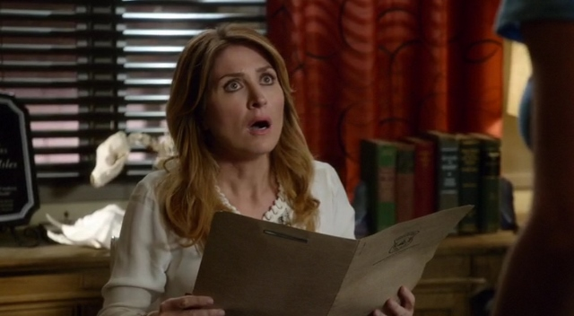Sasha Alexander acting shocked in Rizzoli & Isles 7x10