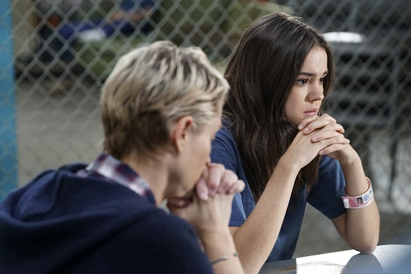 Callie and Stef in The Fosters 4x13