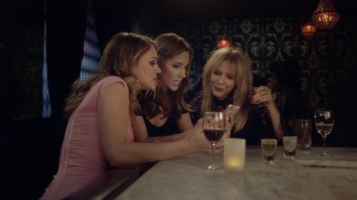 Carly Craig, Chelsea Frei, Rosanna Arquette in Sideswiped